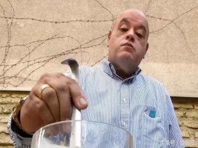 新环保胶袋可溶于水,吃了都行!